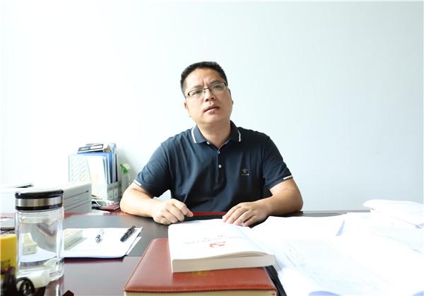 青川县教育局副局长 李久凯.jpg